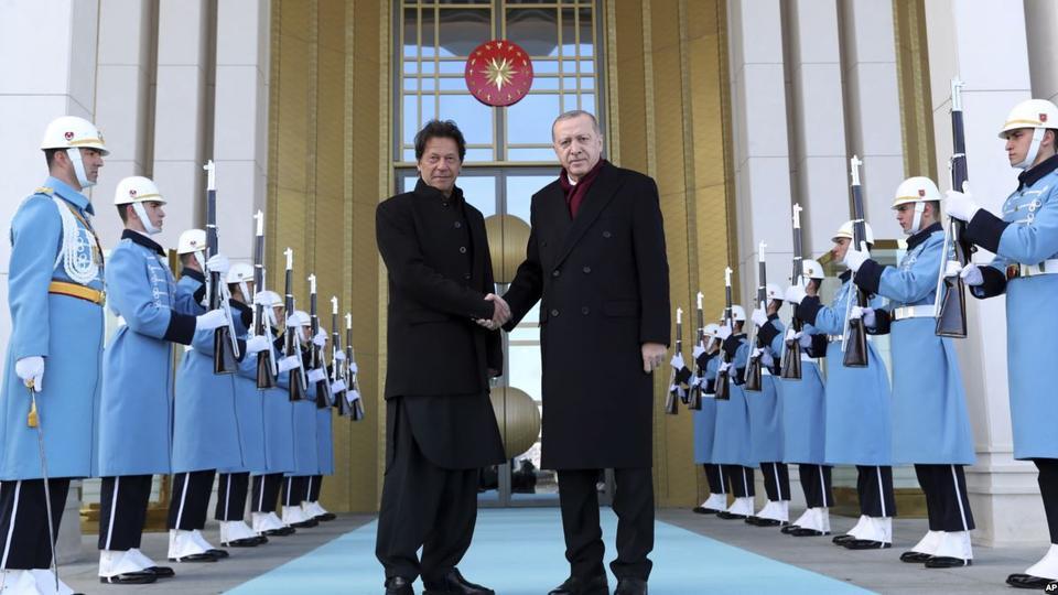 Erdogan assures support to Khan over Kashmir crisis