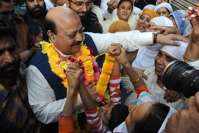PTI heavyweight wins Kashmir presidential vote